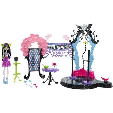 Welcome to Monster High Playset and Doll