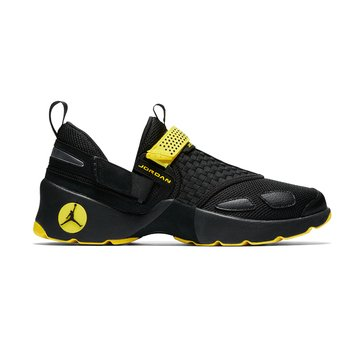 Jordan Trunner LX Men's Basketball Shoe Black/ Black/ Optical Yellow