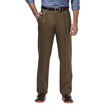 Haggar Men's Pleated Classic Fit Premium No-Iron Khaki Pants