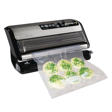 Food Saver 2-in-1 Vacuum Sealing System Plus Starter Kit (FM5200-000)