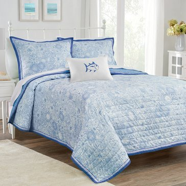 Southern Tide Seapine Quilt, Sky Blue - Full/Queen