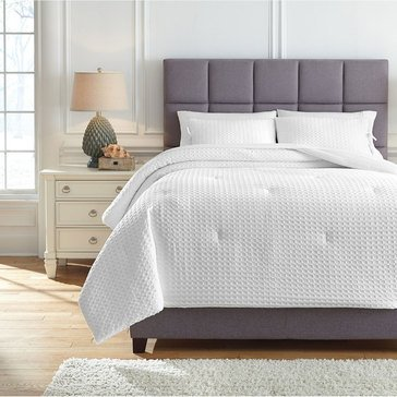 Signature Design By Ashley 3-Piece Maurilio Comforter Set