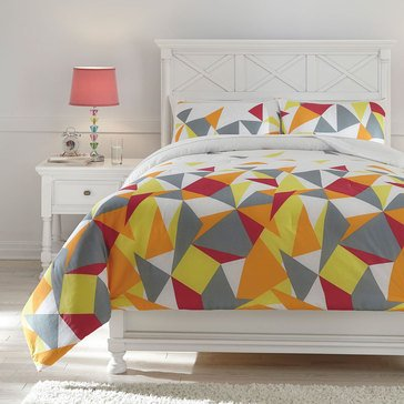 Signature Design By Ashley Maxie Comforter Set