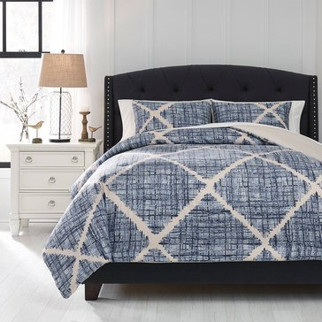 Signature Design By Ashley 3-Piece Sladen Comforter Set