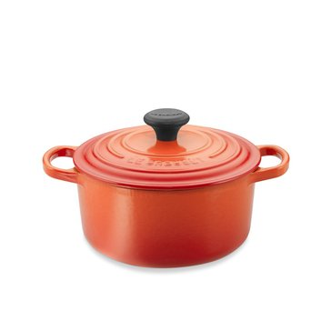 Le Creuset 5.5-Quart Round French Oven, Flame