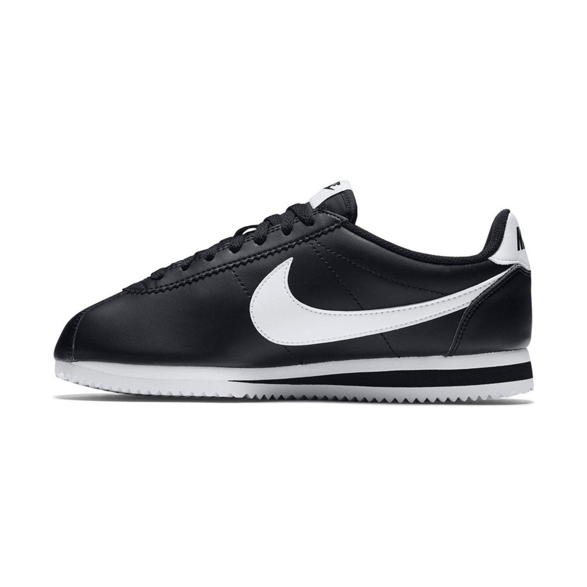 pretty nice abf8a ae43d Nike. Nike Women s Classic Cortez Running Shoe