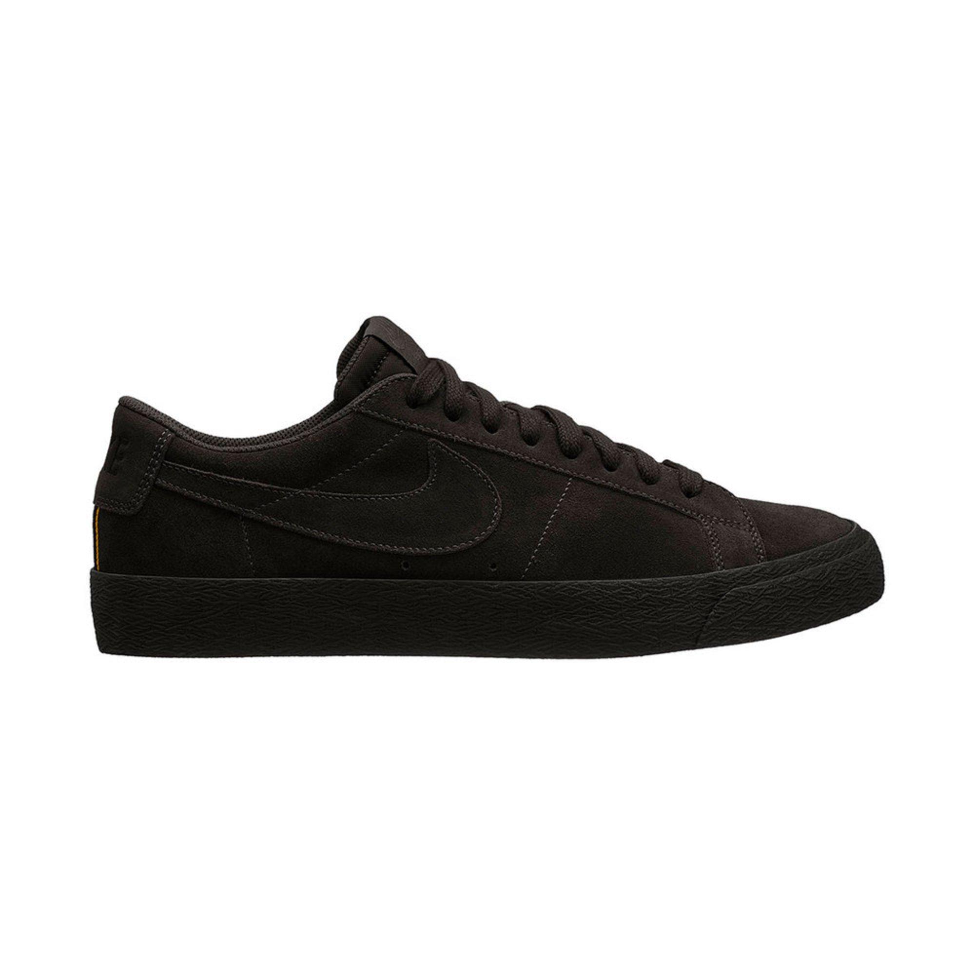 d5d564e16741 Nike SB. Nike SB Men s Zoom Blazer Low Skate Shoe