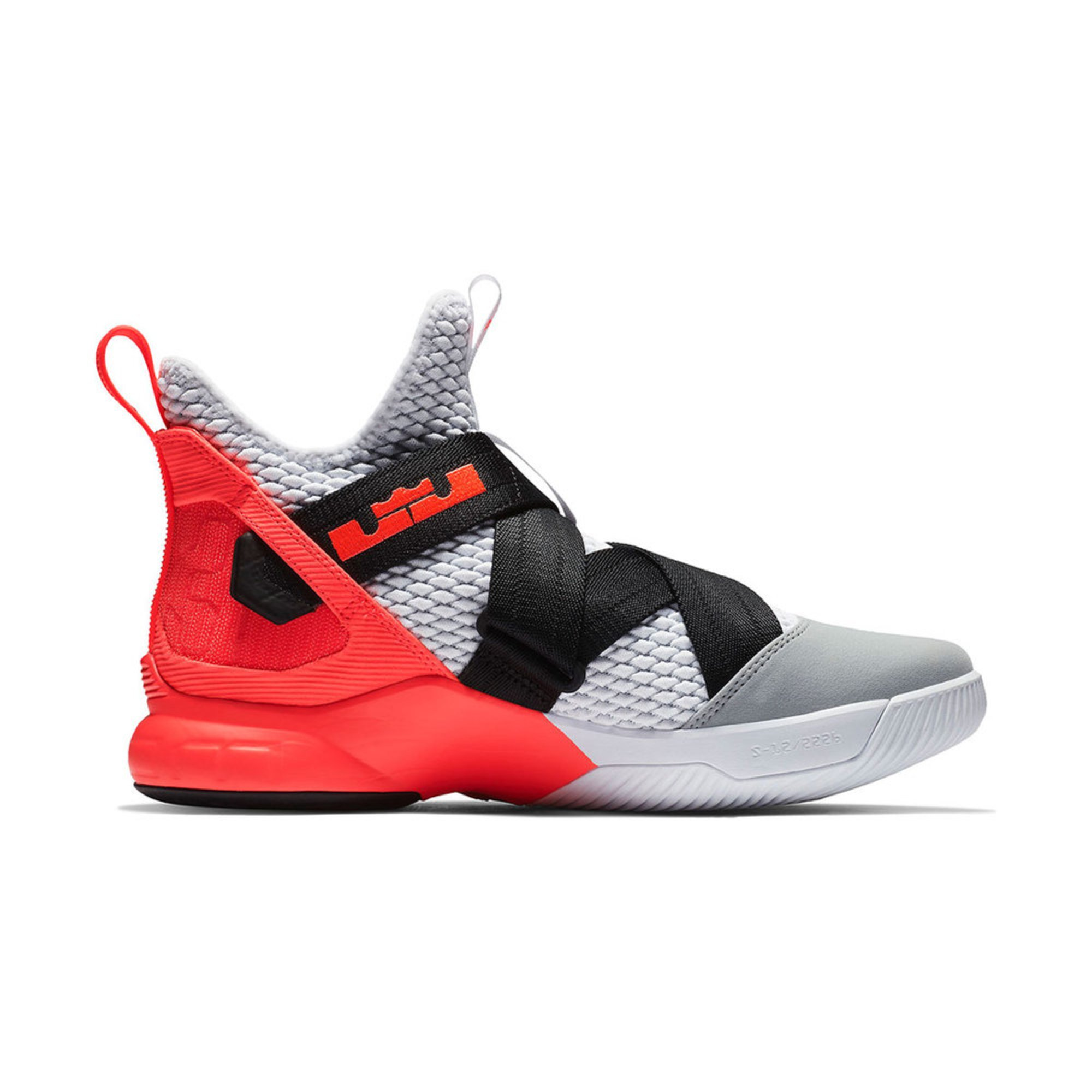 sale retailer 23687 5dbc2 Nike. Nike Men s LeBron Soldier XII SFG Basketball Shoe