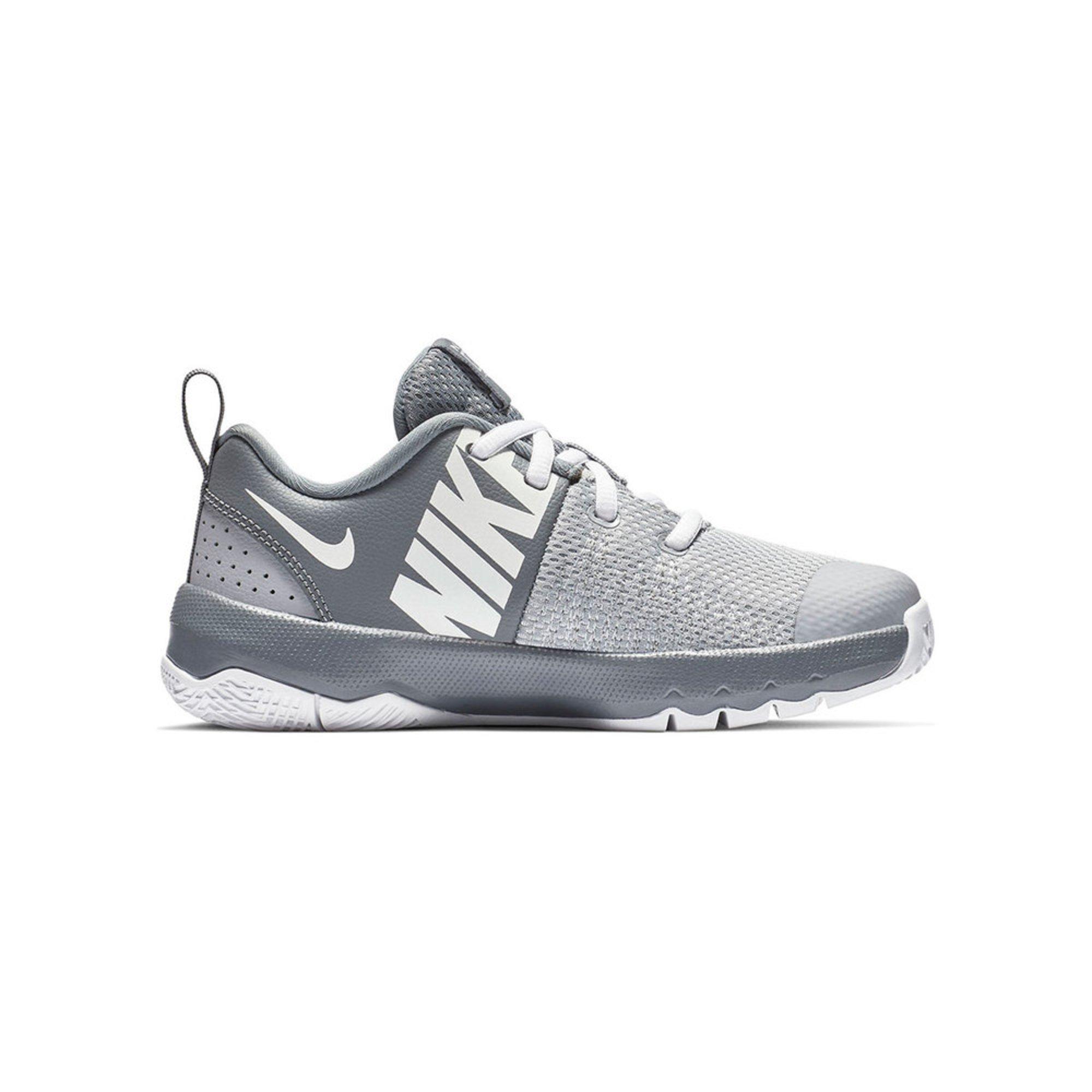 8af28d1d0c9a Nike Boys Team Hustle Quick Basketball Shoe (little Kid)