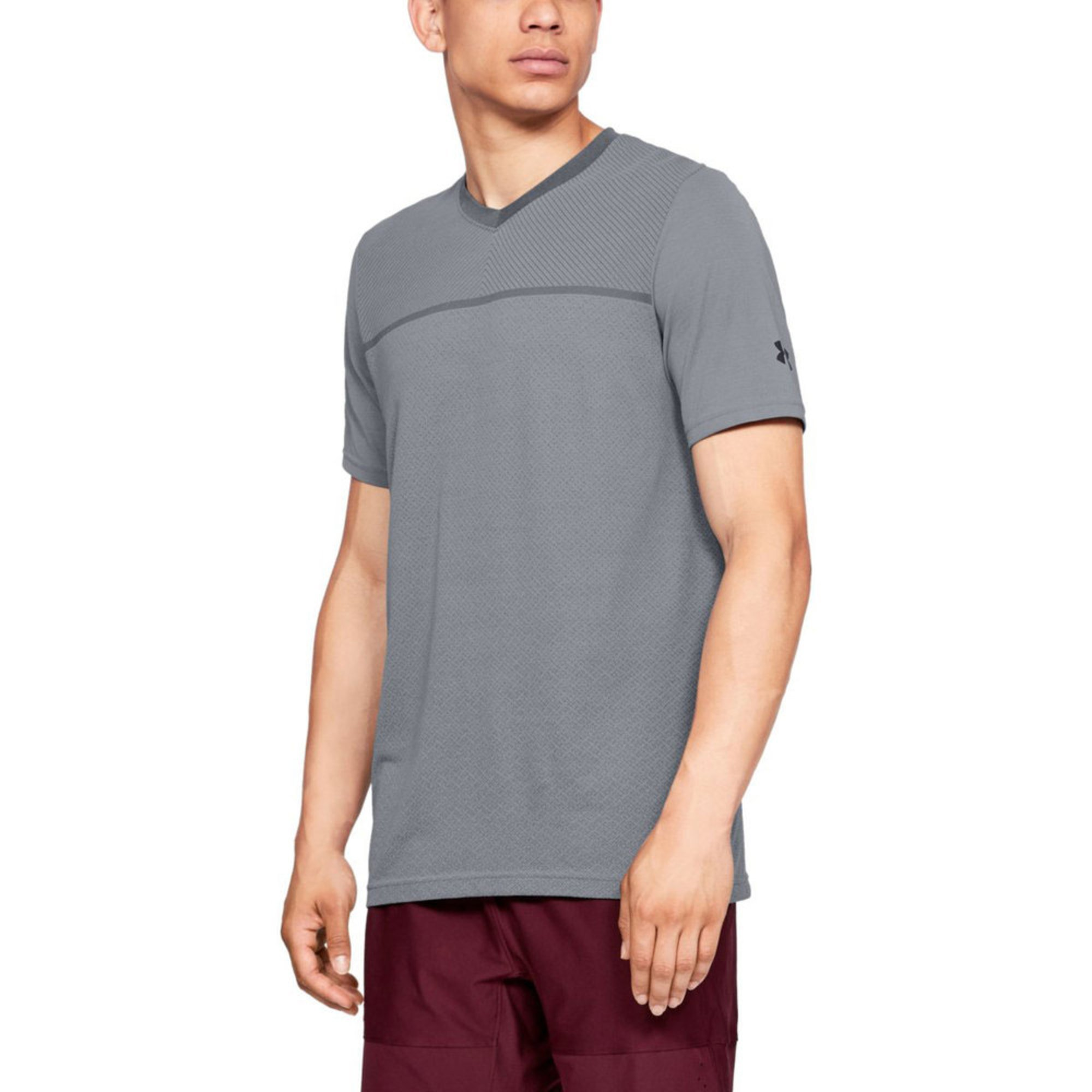 ab15b9a32 Under Armour Men's Vanish Seamless Short Sleeve V-neck Tee | Active ...