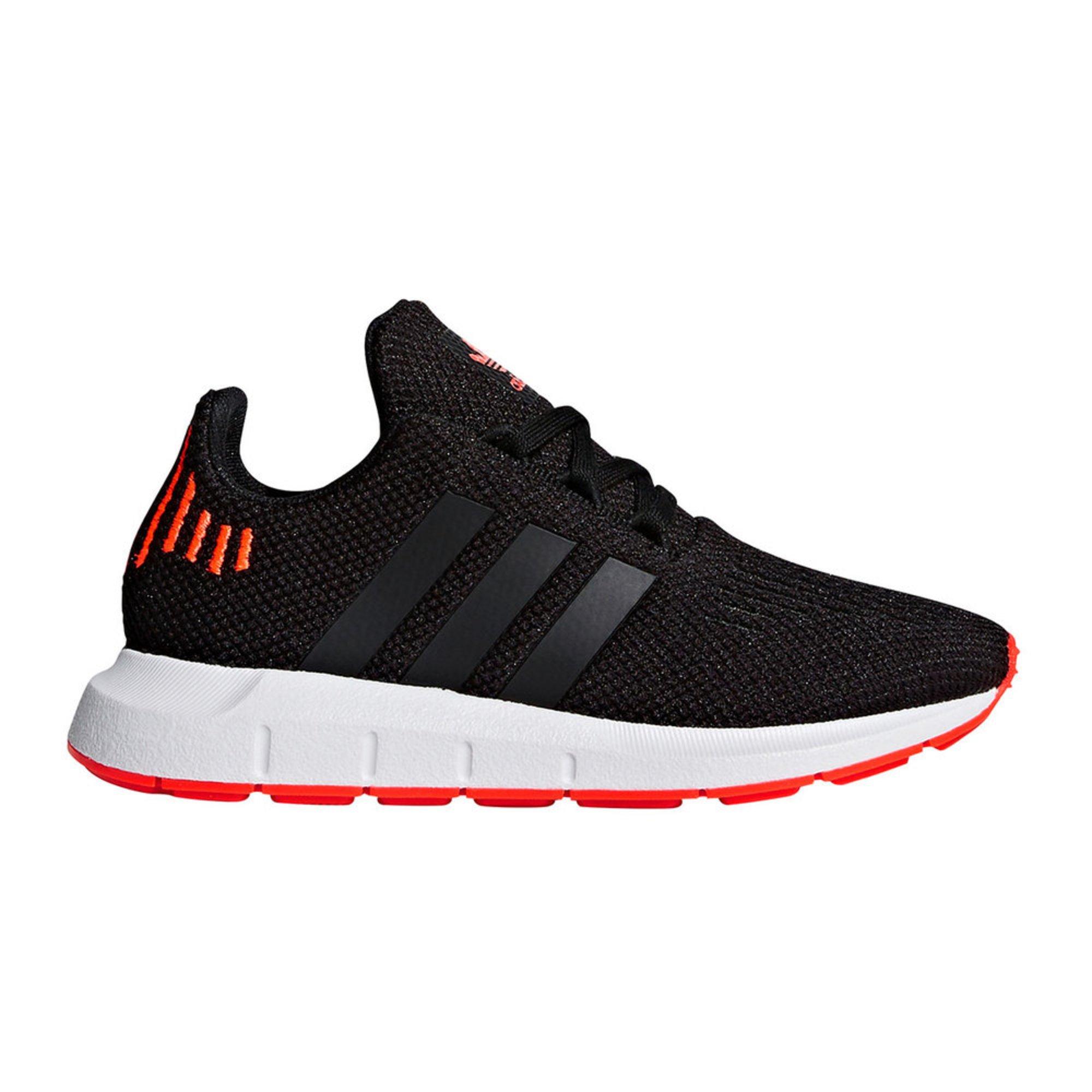 chaussures de séparation cfb18 bfb08 Adidas Swift Run C Boys Running Shoeblacksolar | Little Kid ...